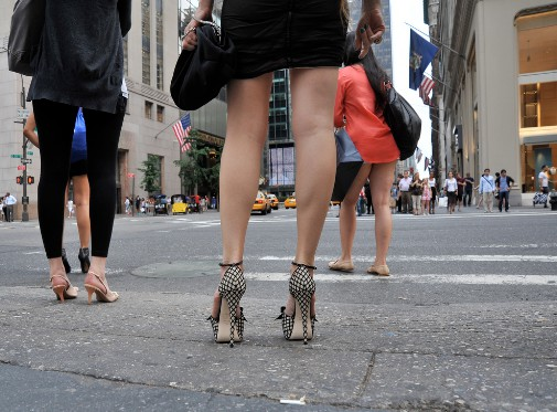 692f4a5ccb8 Are your High Heels Causing Back Pain? Walk in High Heels Correctly ...
